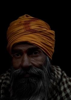 <h5>Sadhu, Rishikesh, India</h5>